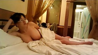 Large Milk Sacks Hidden Livecam Chinese