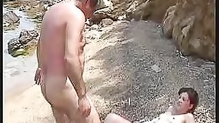 Turkish Old Man Fucking a Brunette Teen In The Beach