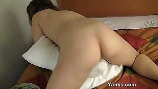 Hot Yanks Babe Kara Banks Humping The Pillow