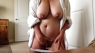 Nice stubbly experienced lady haning an incredible masturbation
