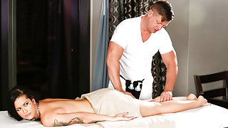 Katrina Jade & Eric Masterson in You Can Get Me Signed? Video