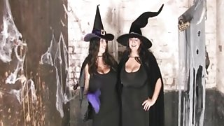 Huge-Boobs Bbw-party at halloween